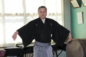 小美玉市在住の飯島勝先生