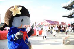 踊るニコちゃん