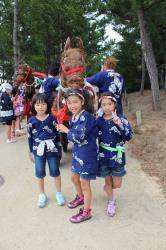 子どもたち用の馬の模型