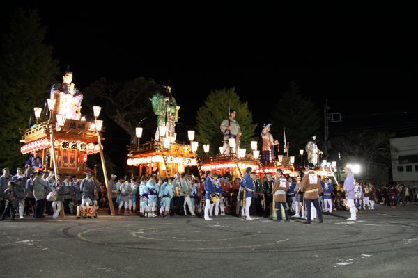 『踊りの競演5地区の山車』の画像