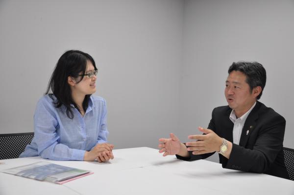『額賀さんと市長の対談』の画像