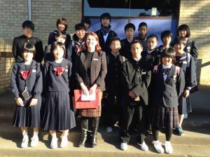 『27年度中学生海外派遣研修現地校先生と記念写真』の画像