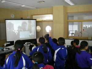 『第3回ドロマーナ小学校との交流(2)』の画像