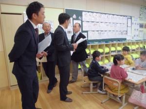 『玉造小学校での授業参観』の画像
