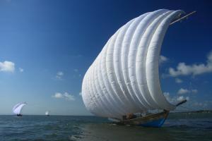 『帆引き船 協力隊』の画像