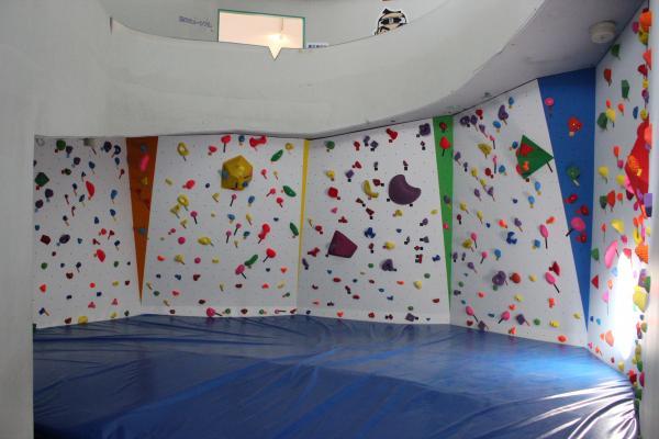 『ボルダリング 1階コーナー』の画像
