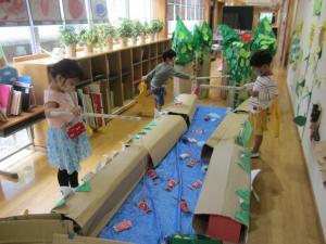 『ザリガニ釣り(幼稚園)』の画像